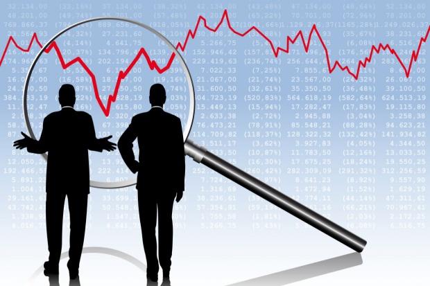Eksperci: spadek inwestycji firm przez kurs złotego i bessę