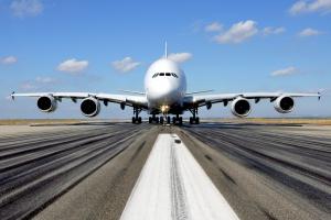 Projekt największego samolotu pasażerskiego świata uratowany nowym zamówieniem