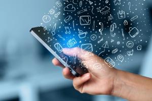 Użytkownicy smartfonów źle oceniają usługi operatorów