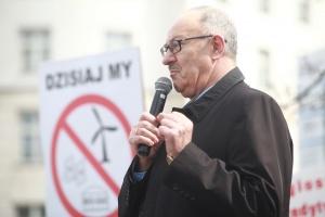 - Od energii odnawialnej nie ma już w Polsce odwrotu. Musimy walczyć o energię odnawialną, bo to są miejsca pracy, to są pieniądze, to jest nowoczesność, to jest postęp – m.in. mówił Mieczysław Kasprzak z PSL, który również wziął udział w demonstracji.