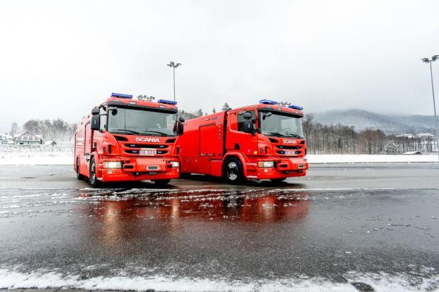 Estońscy strażacy w wozach gaśniczych z Bielska-Białej