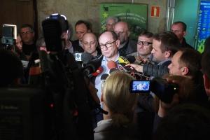 Dla związkowca nie jest sukcesem podpisanie zawieszenia pensji dla pracownika - powiedział wnp.pl Bogusław Hutek, przewodniczący kompanijnej Solidarności. -  Jest to dla nas trudny kompromis.