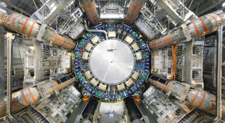 CERN i NCBJ podpisały umowę o dalszej współpracy