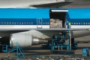 Przewozy towarów samolotami pobiły kolejny światowy rekord