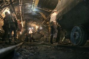 Głęboko w kopalni wysoka temperatura to naprawdę duży problem