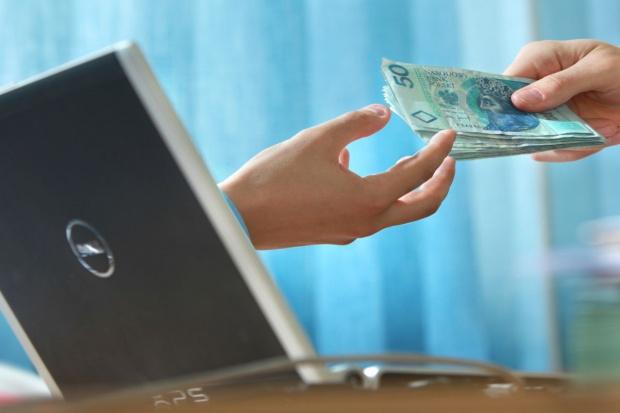 KNF ostrzega ws. pośrednictwa w płatnościach internetowych