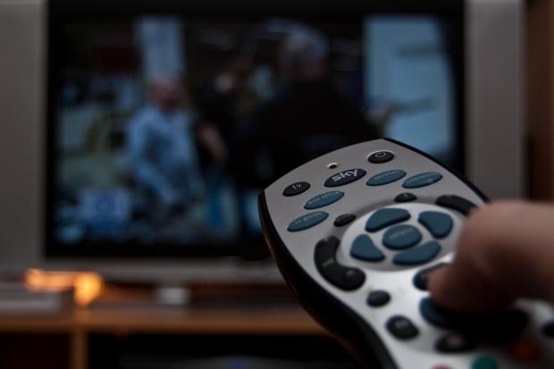 Kto zapłaci składkę audiowizualną wraz z rachunkiem za prąd?