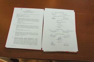 Podpisy pod porozumieniem