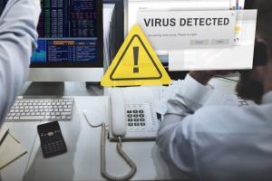 """""""WSJ"""": rok po cyberataku NotPetya firmy wciąż liczą straty"""