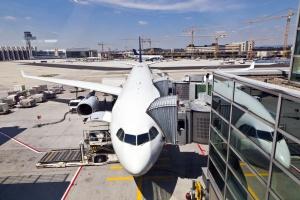 Budowa Centralnego Portu Lotniczego może spowodować zamknięcie innego lotniska