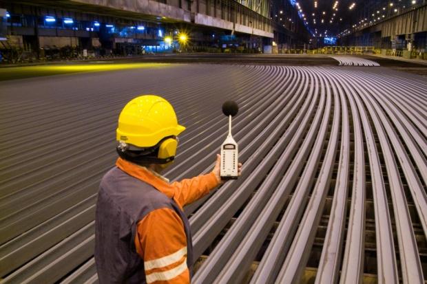 ArcelorMittal modernizuje walcownię szyn w Gijon