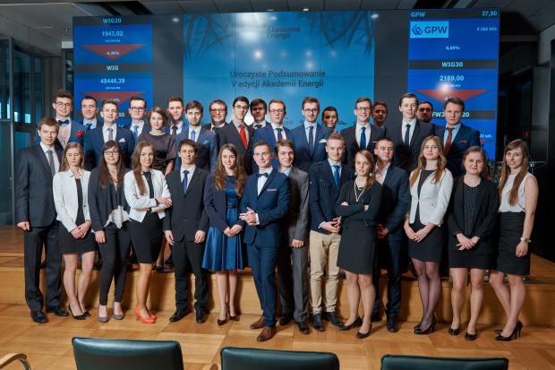 Energetyka w Polsce otwarta na młodych specjalistów