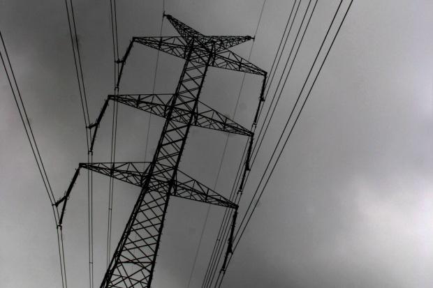 Napowietrzne linie elektroenergetyczne na terenie odkrywkowych zakładów górniczych