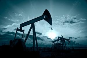 Ceny ropy w dół, niepokoi rosnące wydobycie surowca w USA i doniesienia z Chin