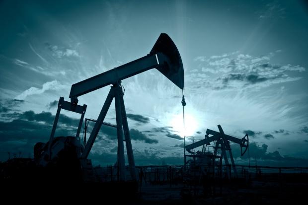 Cena ropy na giełdzie paliw w Nowym Jorku bez zmian