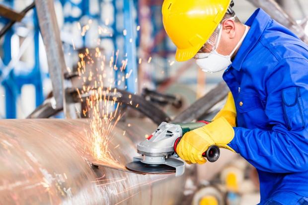 Markit: w kwietniu poprawa w przemyśle, ale wolniejsza niż w marcu