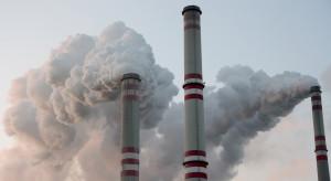 Pozwolenia na emisje CO2 kończą tydzień sporymi spadkami