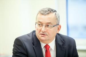 Minister Adamczyk ws. pogłosek o swojej dymisji: takie spekulacje pojawiają się, by wywrzeć na kimś presję