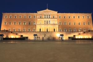 Grecja. Parlament przyjął nowy pakiet oszczędnościowy
