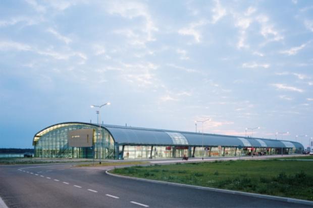 Kontrakt na lotnisku w Modlinie obniży kapitały Erbudu