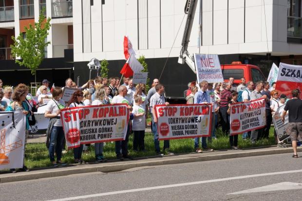 Protest przeciwko odkrywce węgla brunatnego ZE PAK