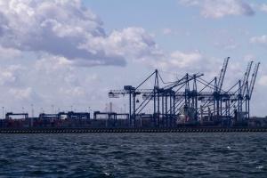 Prezes Portu Gdańsk: w polskich portach wciąż zbyt mało przemysłu