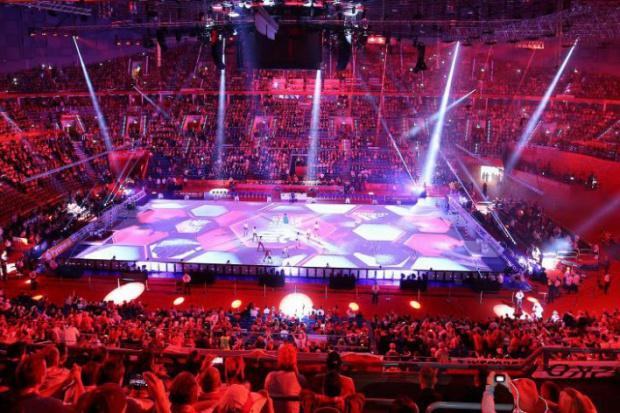 Hale i stadiony w Polsce: Wyścig nadal trwa i ani myśli zwolnić