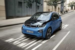 Większy akumulator w elektrycznym BMW i