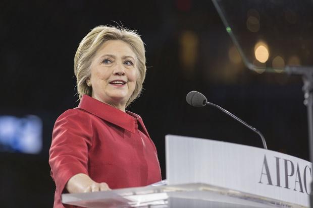 Po wygranej Clinton jej mąż zajmie się ożywieniem gospodarki