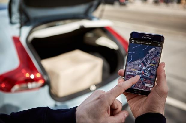 Volvo Cars i urb-it - dostawa zakupów do samochodu