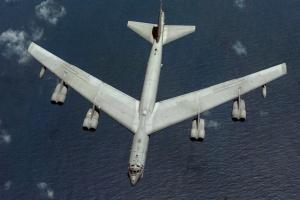 Bombowce B-52 w składzie grupy uderzeniowej na Bliskim Wschodzie