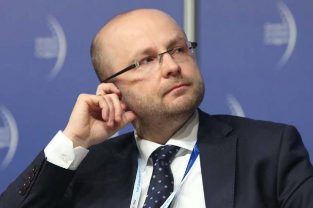 Czy polska energetyka idzie wbrew światowym trendom?