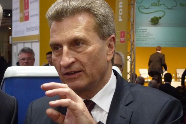Oettinger na EEC 2016: solidarność energetyczna UE niezagrożona