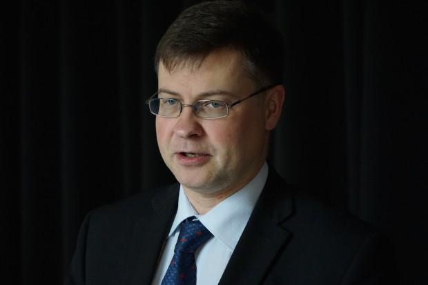 Wiceszef KE: Polska gospodarka rozwija się w dobrym tempie; problemem deficyt