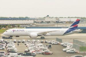 Największe w Ameryce Łacińskiej linie zawieszają loty do Wenezueli