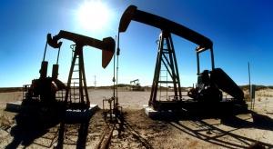 Potężny spadek cen ropy. Wstrząs jak podczas wojny w Zatoce Perskiej 30 lat temu