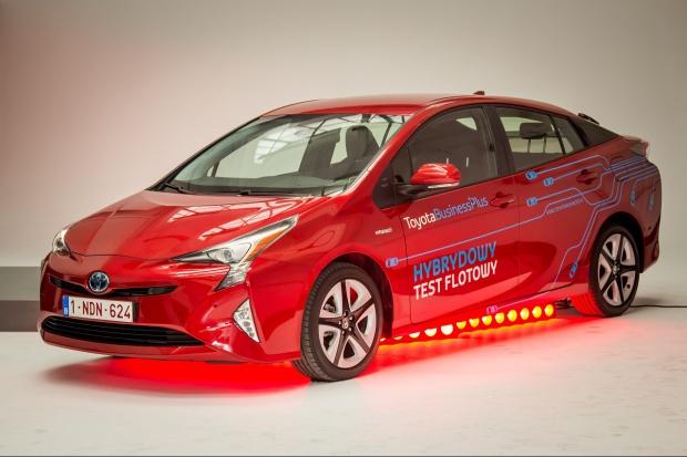 Toyota uruchomiła program testów flotowych nowego Priusa