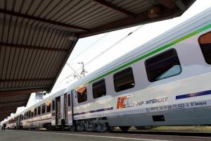 Podczas zmiany czasu na letni w trasie będzie 18 składów PKP Intercity