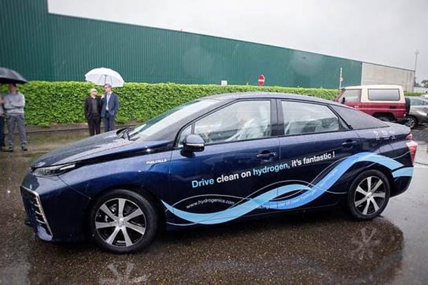 W kolejnym europejskim kraju można zamawiać wodorową Toyotę