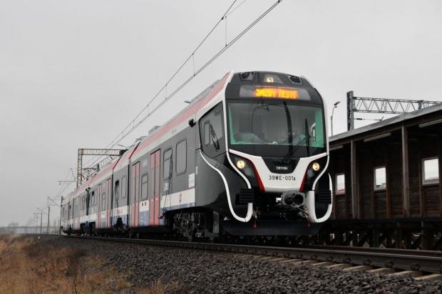 Warszawska Kolej Dojazdowa z nowymi pociągami