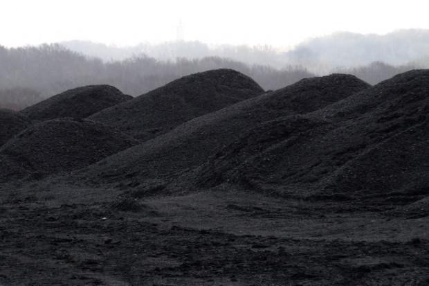 Górniczy gigant pozbywa się części węglowych aktywów