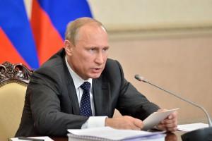 Rosja wytacza ciężkie działa. Grozi sąsiadowi