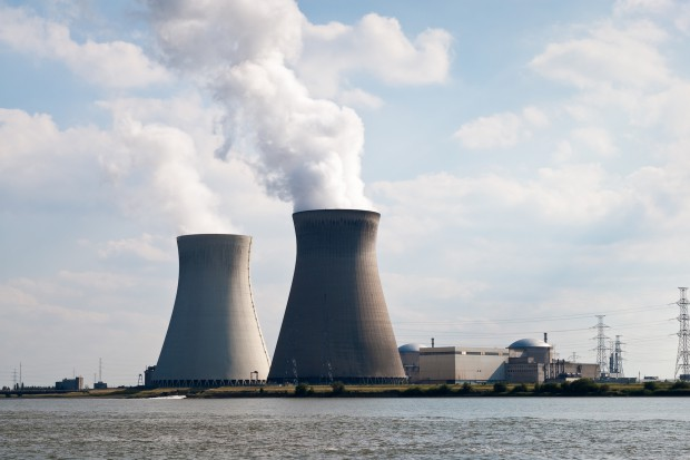 Holenderski parlament wzywa do wyłączenia reaktorów atomowych w Belgii
