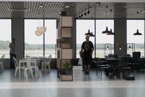 Restauracja w terminalu A. Fot. PTWP (Andrzej Wawok)