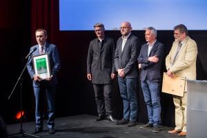 Wyróżnienie odbiera Wojciech Kuśpik, prezes PTWP Event Center.