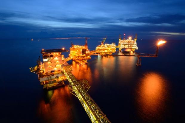 KE grozi palcem ws. morskiego wydobycia ropy i gazu