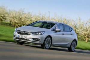 Opel śrubuje wynik