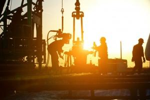 Ropa w USA odrabia straty