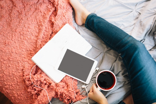 Polacy kupują w sieci za pomocą urządzeń mobilnych