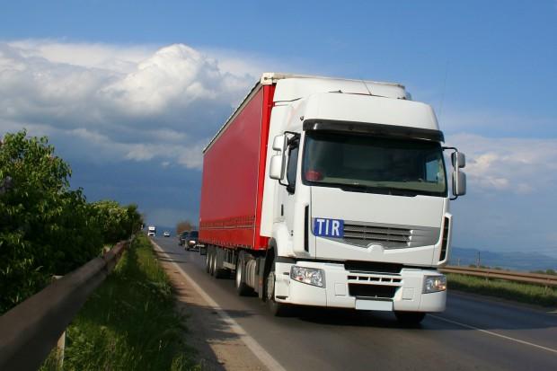 Rynek ciężarówek wpada w dołek. Branża transportowa słabnie?